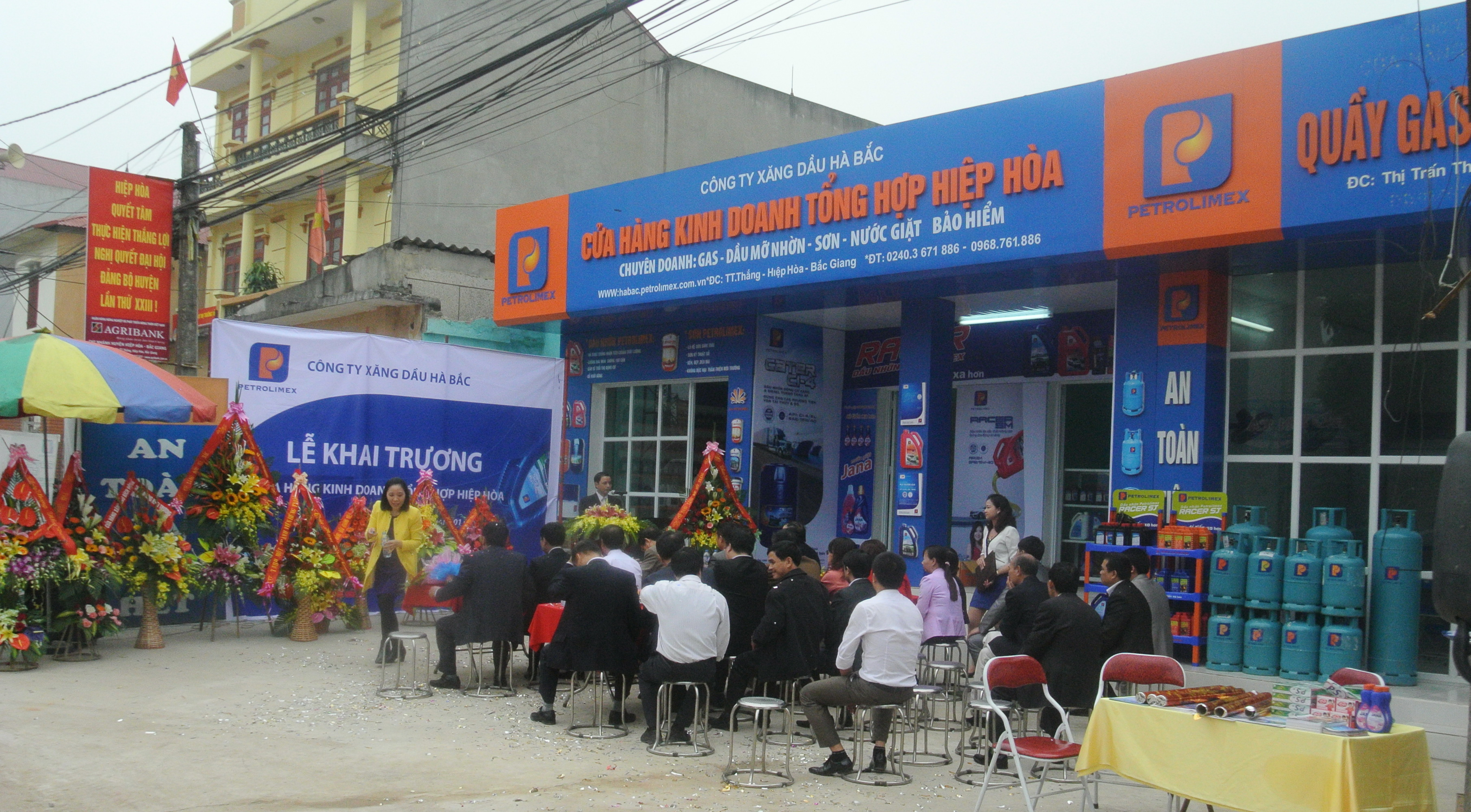 Hoa Khai Truong: Petrolimex Hà Bắc Khai Trương Cửa Hàng Kinh Doanh Tổng Hợp