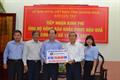 Petrolimex hỗ trợ nhân dân vùng lũ lụt tỉnh Quảng Ngãi 250 triệu đồng