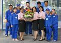 Khách hàng cảm ơn và khen ngợi chị Trần Bích Hường