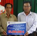 Tiếp tục giúp đỡ hộ nghèo xã Đông Sơn xóa đói giảm nghèo