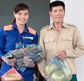 Chị Phạm Thị Hằng trả lại tài sản của bác Vi Văn Sản đánh rơi tại CHXD số 28 Tuy Hạ
