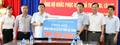 Trao 300 triệu đồng hỗ trợ đồng bào Lai Châu khắc phục hậu quả mưa lũ