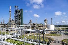 Nhập khẩu xăng dầu về Việt Nam trong tháng 8/2021 giảm mạnh